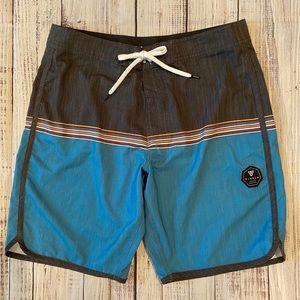 Vissla Mens Board Shorts Size 32. Like New.